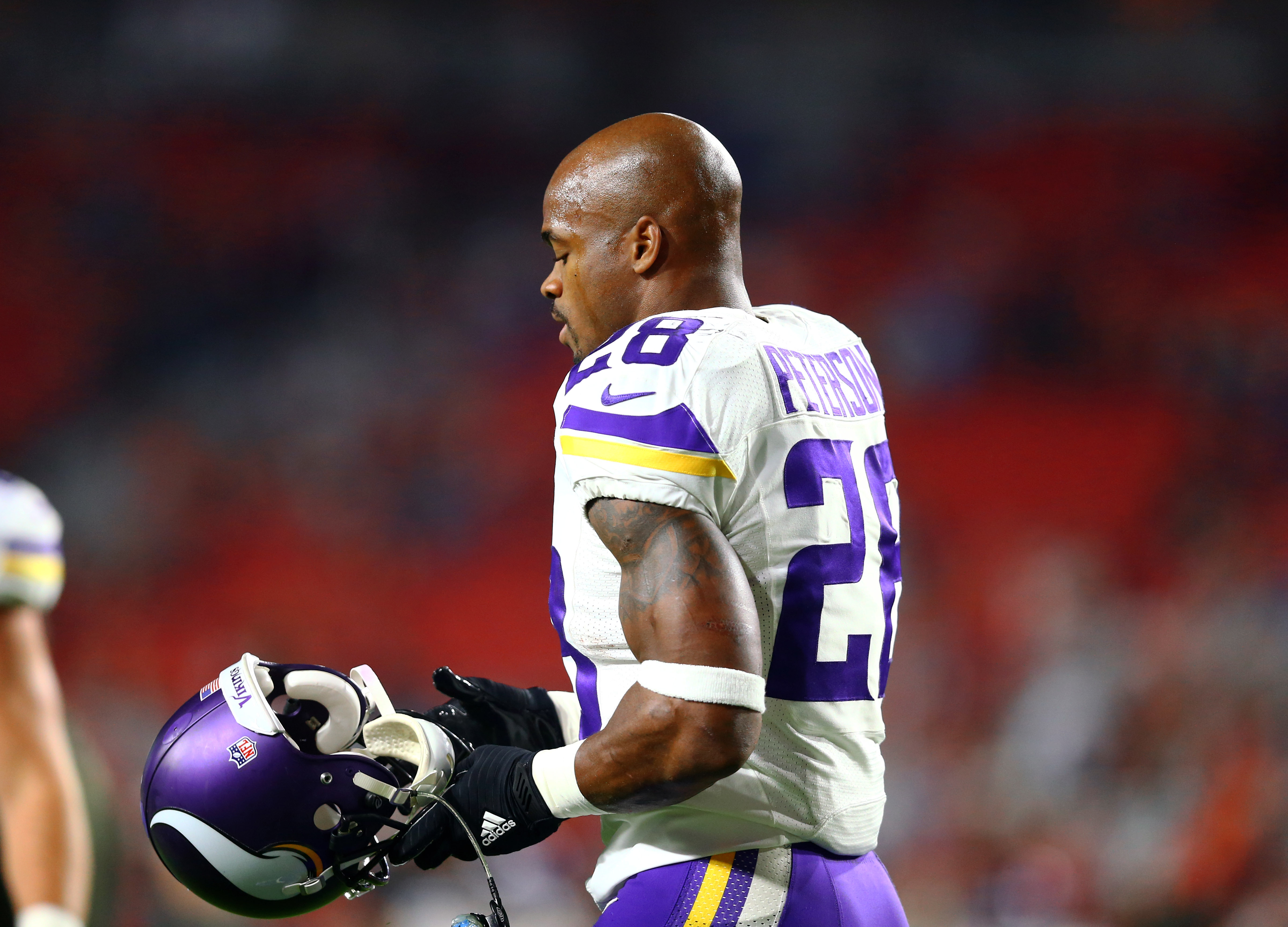 f0acef40 Should the Vikings even want to bring Adrian Peterson back in 2017?